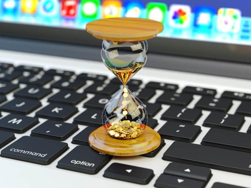 egg timer on a laptop